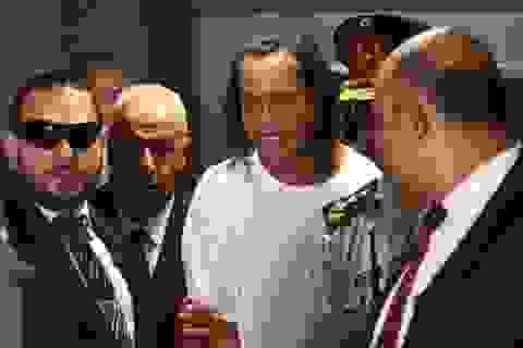 Bạn tù khóc trong bữa tiệc chia tay Ronaldinho
