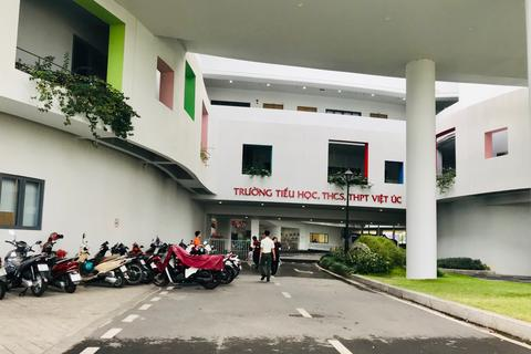 Trường Việt Úc không thu tiền ăn uống, xăng xe học phần mới