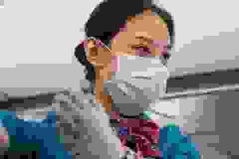 Ít nhất 100 tiếp viên hàng không American Airlines nhiễm Covid-19
