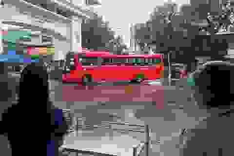 Bệnh viện Bạch Mai tổ chức xe đưa 307 người bệnh về cách ly tại địa phương