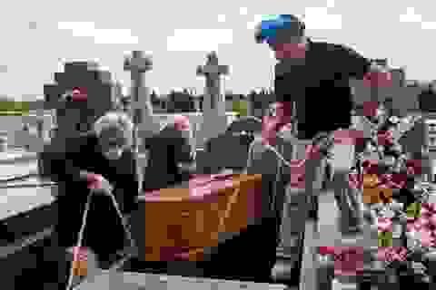 Số người chết vì Covid-19 tại Tây Ban Nha vượt 17.000