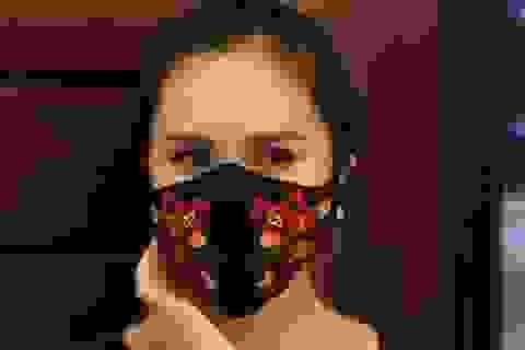 Khẩu trang độc đáo của Việt Nam trên báo nước ngoài