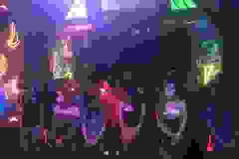 Khách hát và chủ quán karaoke cùng sử dụng ma túy