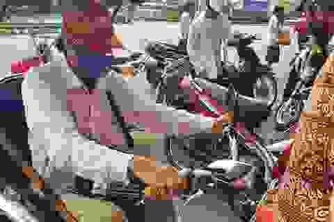 Đà Nẵng: Trao 2.100 suất quà tới người bán vé số dạo mất việc do Covid-19