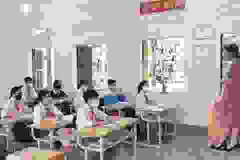 """Học sinh hào hứng trở lại trường học sau """"kỳ nghỉ bất đắc dĩ"""""""