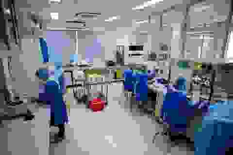 Cận cảnh quy trình xétnghiệm Covid-19 tại Bệnh viện Bệnh Nhiệt Đới