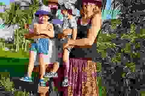 """Ra nước ngoài """"trốn dịch"""", cả gia đình chưa muốn về quê"""