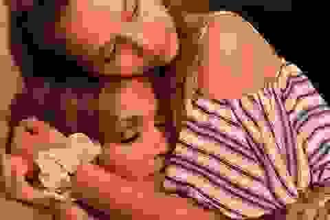 Jennifer Lopez gửi lời chúc ngọt ngào tới con của bạn trai