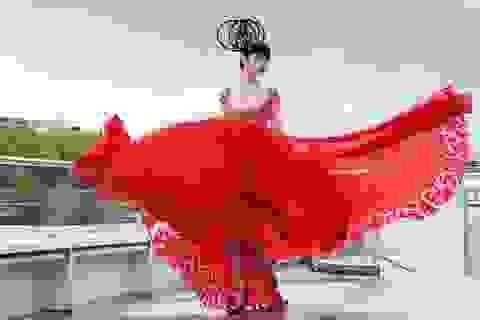 Jessica Minh Anh bất ngờ về Việt Nam đóng phim hành động cùng H'hen Niê