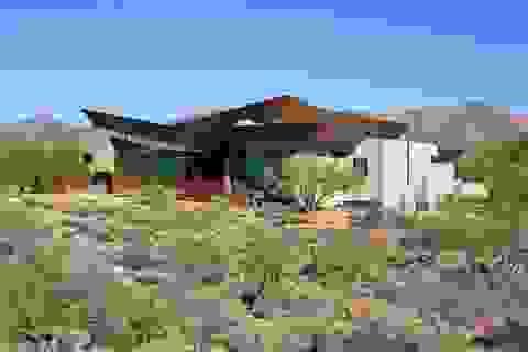 """Đại gia Mỹ mua đất xây biệt thự """"siêu sang"""" trên sa mạc cằn cỗi"""