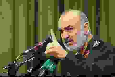 Iran cảnh báo phá hủy tàu chiến Mỹ nếu đe dọa tàu của Tehran