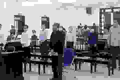 """Tự bào chữa, ông Nguyễn Bắc Son nói """"rất đau xót, ân hận"""""""