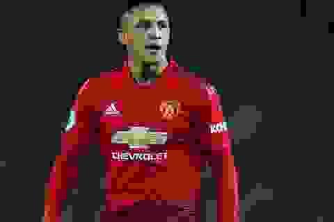 """Man Utd chịu hậu quả lớn vì """"vung tay quá trán"""" với Sanchez"""
