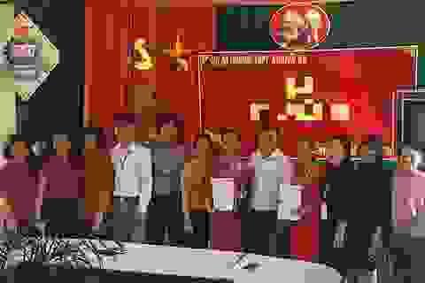 Đề nghị Ủy ban MTTQ Việt Nam tỉnh Nghệ An hỗ trợ gần 9.000 giáo viên