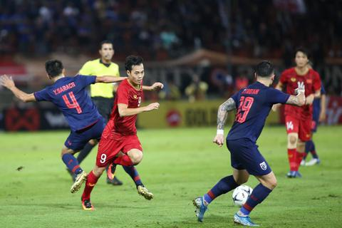 Tuyển thủ Thái Lan tin sẽ soán ngôi đội tuyển Việt Nam