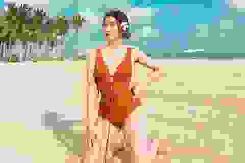 Bạn gái tiền đạo Tiến Linh khoe dáng trên bãi biển sau kỳ nghỉ vì dịch