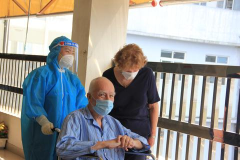 Bệnh nhân ngoại quốc và những thử thách đặc biệt với lực lượng tuyến đầu