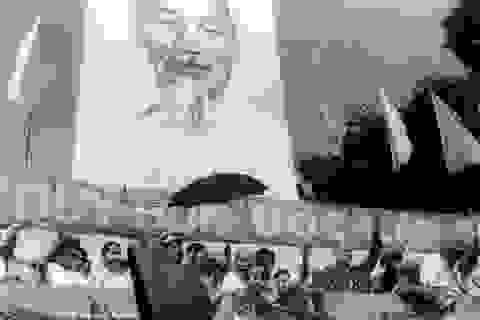 Những khoảnh khắc lịch sử ngày giải phóng Sài Gòn trên báo chí quốc tế