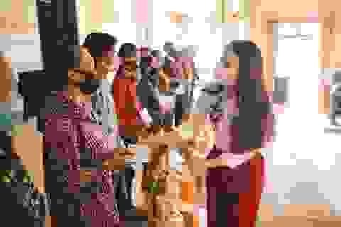 Phạm Phương Thảo hỗ trợ dân nghèo xứ Nghệ vượt qua đại dịch