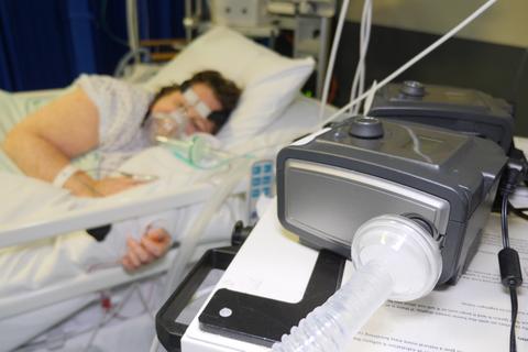 Anh phát hiện máy thở xuất xứ Trung Quốc mắc lỗi có thể gây chết người