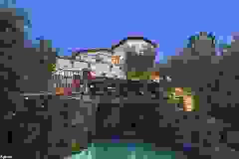 Eva Longoria bán nhà chịu lỗ hàng triệu USD