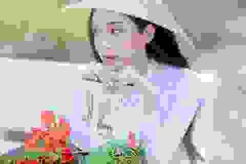 Hoa khôi 10x trường HUTECH nhớ thương mùa hoa phượng