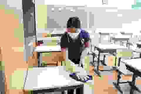 Covid-19: Nhiều giáo viên làm việc gấp đôi trong ngày đầu trở lại trường