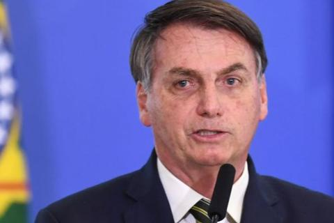 """Tổng thống hứng chỉ trích, Brazil nguy cơ """"thất thủ"""" vì Covid-19"""