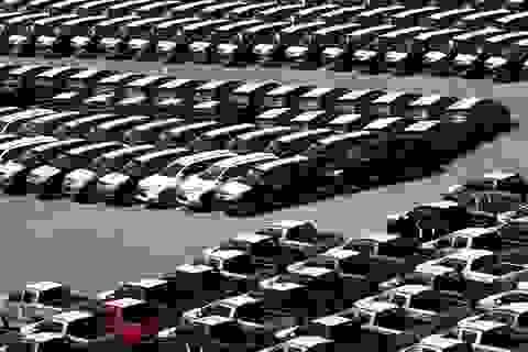 Nhập khẩu ô tô giảm, giá trị xe nhập tăng