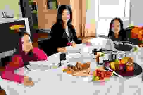 Cuộc sống bình yên của Diva Hồng Nhung cùng cặp song sinh tại biệt thự ở Mỹ