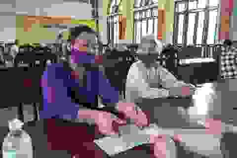 Hà Nội: Người nghèo ở Ứng Hoà mừng nhận tiền từ gói hỗ trợ 62.000 tỷ đồng