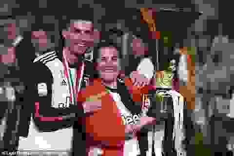 C.Ronaldo chi hơn 2,5 tỷ mua xế hộp xịn tặng mẹ