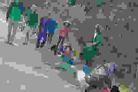 Xe máy kẹp 4 tông cột mốc, 2 nữ sinh tử vong