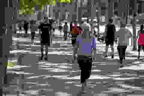 Số người nhận trợ cấp thất nghiệp tại Tây Ban Nha tăng lên mức kỷ lục