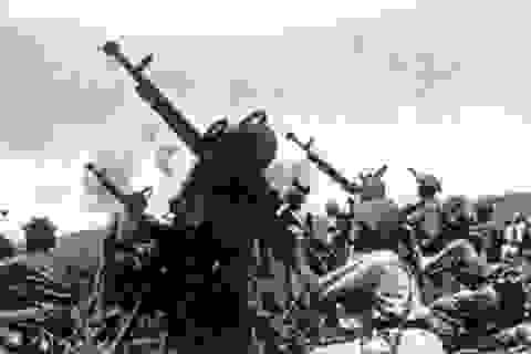 """Pháo cao xạ """"dệt lưới lửa"""" ngăn máy bay địch ở Điện Biên Phủ"""
