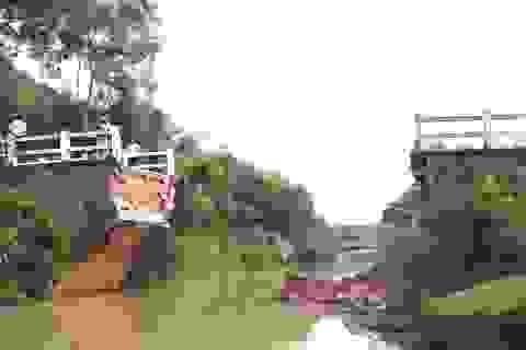 Vụ cầu bê tông sập hoàn toàn: Xây cầu tạm