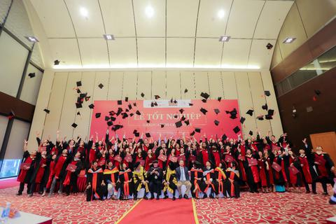 Học MBA thời chuyển đổi số mùa Covid-19