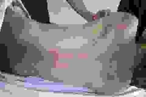 Phạm nhân chết trong trại giam với nhiều vết thương