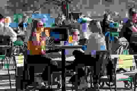 """Thụy Điển thừa nhận khó đạt được """"miễn dịch cộng đồng"""""""