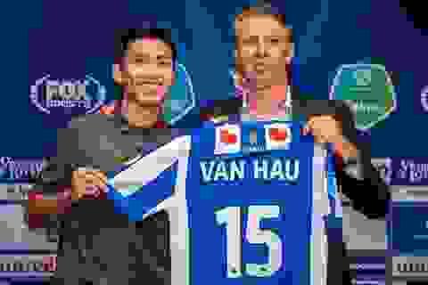 Đàm phán với Văn Hậu, Heerenveen vẫn mua thêm hậu vệ