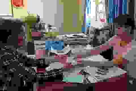 Phú Yên: Người nghèo xúc động nhận tiền từ gói an sinh 62.000 tỷ đồng