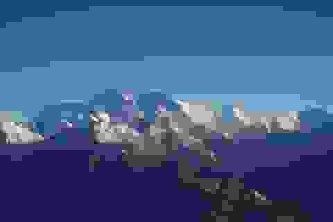 Truyền thông Trung Quốc gây phẫn nộ vì nhận toàn bộ đỉnh Everest về mình