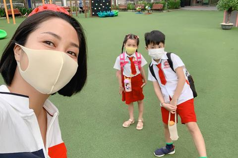 Sao Việt cho con đi học: người vẫn nặng lo âu, người nhớ con da diết