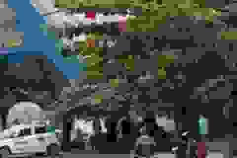 Hỗn chiến trước cổng Đại học Hải Phòng, công an nổ súng trấn áp