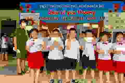 Sau nghỉ dịch Covid-19: Nhiều trường được trang bị khẩu trang kháng khuẩn cho học sinh