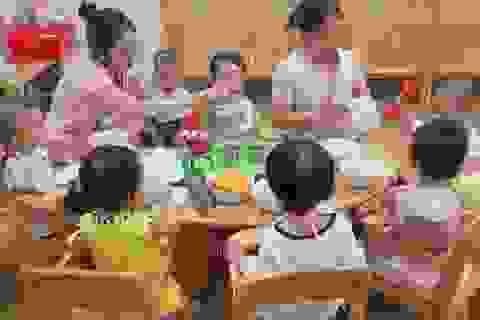 TPHCM: Trẻ đi học lại, trường mầm non không tổ chức ăn sáng