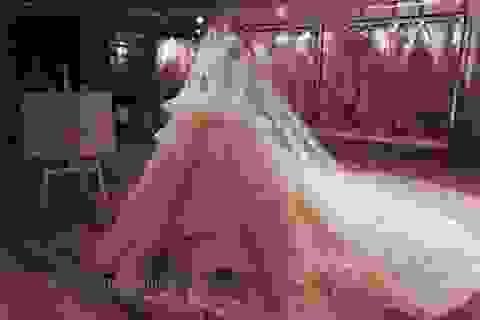 365 ngày cùng 10 tác phẩm áo cưới mang tên Calla Haute Couture