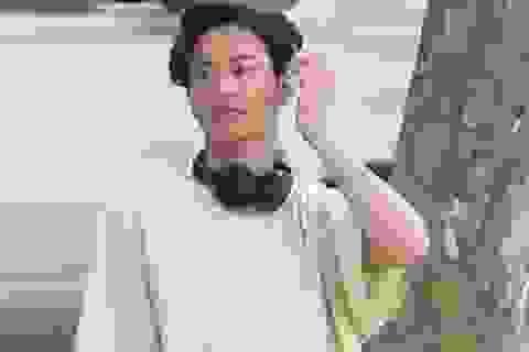 """Bị chụp trộm, Won Bin vẫn khẳng định nhan sắc """"mỹ nam"""""""