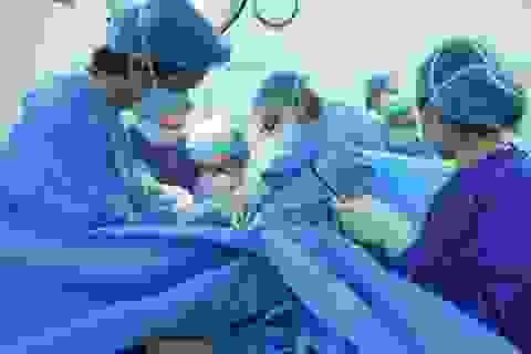 Bé gái 12 tuổi ở Hà Nội đau bụng dữ dội, ứ kinh vì màng trinh không thủng