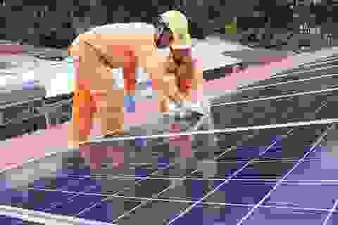 EVNSPC tăng cường hợp tác phát triển điện mặt trời áp mái